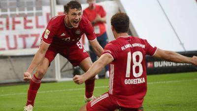 Bayern wins 8th consecutive Bundesliga title, their 30th title in history