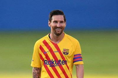 Messi 2nd footballer in history to join the billionaire club and tops Forbes list