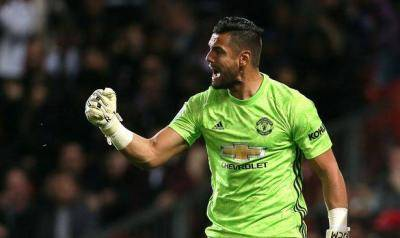 Sergio Romero's wife on Instagram message criticising Man Utd over failed transfer away