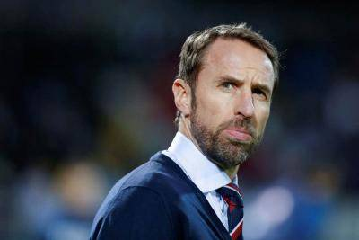 Southgate plays sheriff with England stars