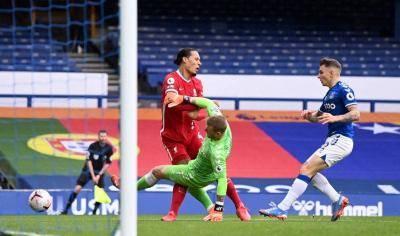 Liverpool kehilangan Van Dijk musim ini