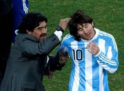 Hubungan istimewa antara dua genius generasi, Messi dan Maradona