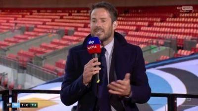 Jamie Redknapp mengeluarkan tuntutan mengenai Jose Mourinho berikutan kekalahan Tottenham diPiala Carabao