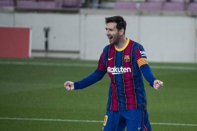 Messi scores brace as Barca pip Valencia in thriller, target league summit