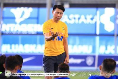 Khalid Jamlus, Hairuddin Omar pertahan pemilihan pemain Tan Cheng Hoe