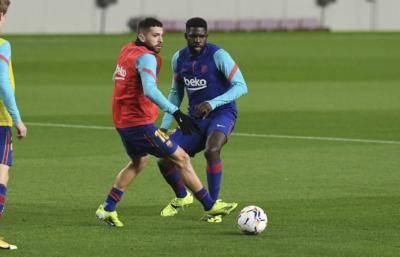 Tiga pemain Barcelona degil enggan mengambil potongan gaji