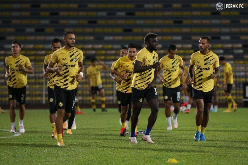 Leandro, Careca tamatkan kontrak dengan Perak