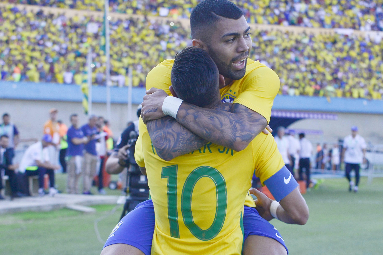 ОХУ -ыг зорихгүй Бразилын 12 од