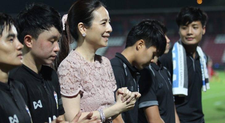 ลุ้นลุยบอลโลกสมัยสอง! มาดามแป้งยิ้มชบาแก้วงานเบาหลังแบ่งสายชิงแชมป์เอเชีย