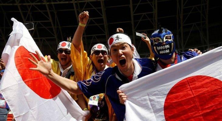ฟีฟ่ายกย่อง! แฟนญี่ปุ่น-เซเนกัล รวมใจเก็บขยะหลังจบเกม