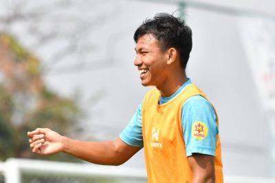 """กัปตันทีม """"ช้างศึก"""" ยู19 ลั่น พร้อมเกินร้อย! นัดชิงชนะเลิศ VFF U19 กับทีมชาติเวียดนาม"""