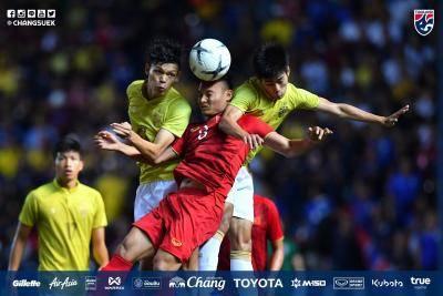 """ตัดเกรดแข้ง """"ช้างศึก"""" เกมทีมชาติไทยพ่าย ทีมชาติเวียดนาม 1-0 คิงส์คัพ 2019"""