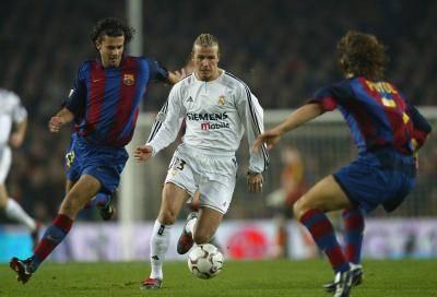 """ย้อนชม เอล กลาซิโก้ 2003 – ชัยชนะใน คัมป์นู ครั้งแรกในรอบ 20 ปีของ """"ราชันชุดขาว"""" (มีคลิป)"""