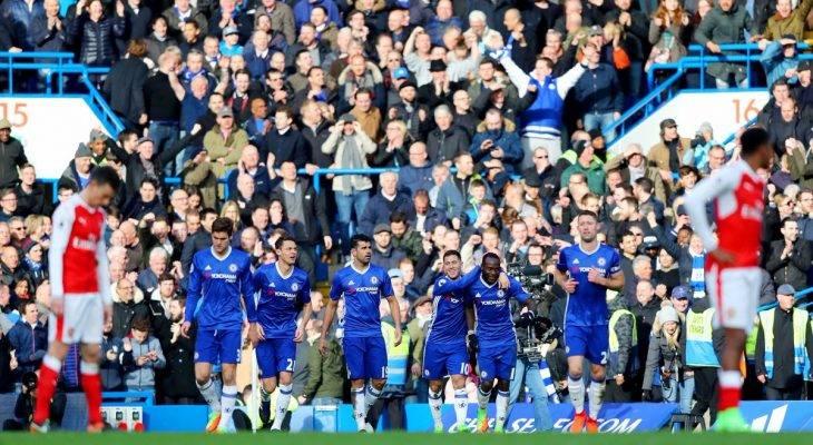 Chelsea 3-1 Arsenal: Chủ nhà chạm một tay vào chức vô địch.