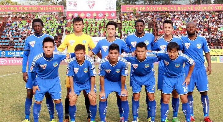 Minh Tuấn tỏa sáng, Quảng Nam giữ lại 1 điểm trên sân nhà