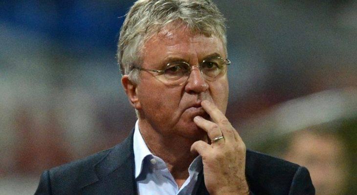 Leicester City mời Guus Hiddink về tiếp quản ghế nóng