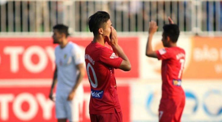 Bản tin bóng đá sáng 5/3: HLV HAGL than trời vì đen đủi, Conte không về Italia