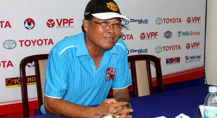 HLV Trần Bình Sự nuối tiếc về trận thua trước SHB Đà Nẵng