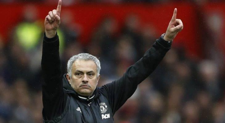 """""""Người đặc biệt"""" dùng """"chiêu khích tướng"""" trước thềm Derby thành Manchester"""