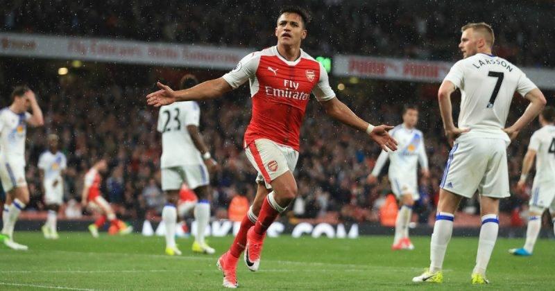 Sanchez ở lại Arsenal