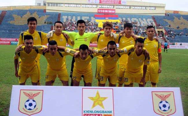 Thắng Huế, Nam Định tạm dẫn đầu giải hạng Nhất
