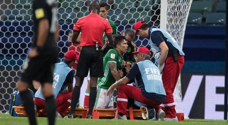 Trụ cột Mexico rời Confederations Cup 2017