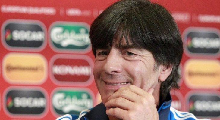 Xem thường Confed Cup, Joachim Loew bị ban tổ chức World Cup chỉ trích
