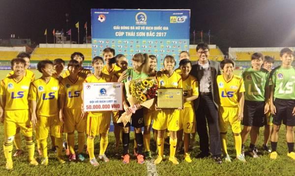 Giải bóng đá nữ VĐQG 2017: TP.HCM I vô địch lượt đi