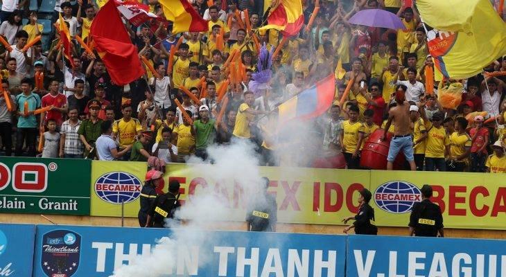 Điểm tin trưa 18/7: Ban tổ chức sân Nam Định bị kỷ luật