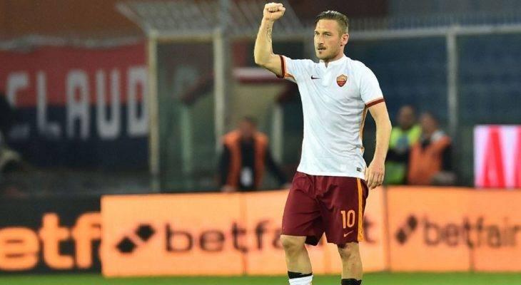 Totti từ chối đội bóng Nhật Bản, ở lại Roma với vai trò mới