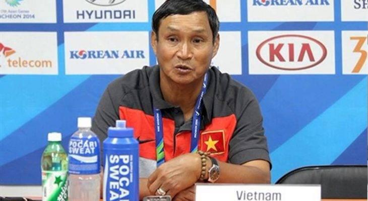"""HLV Mai Đức Chung: """"Các cầu thủ còn tập nặng nên chưa có phong độ tốt"""""""