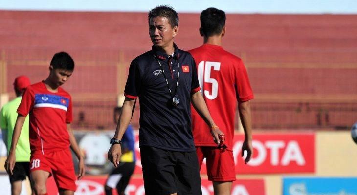 HLV Hoàng Anh Tuấn lo lắng cho thể lực của U18 Việt Nam