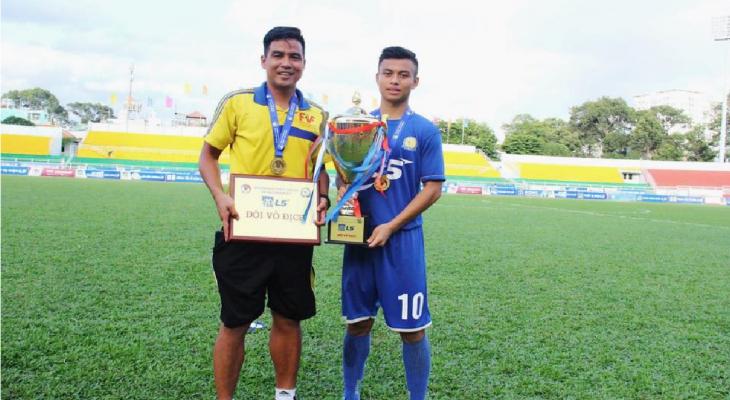 Cựu tuyển thủ QG Việt Thắng cảm thấy may mắn khi được làm trợ lý U18 Việt Nam