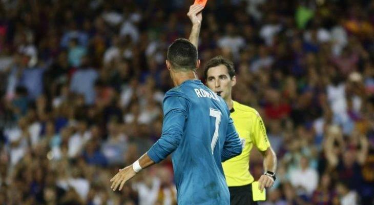 CHÙM ẢNH: CR7 nhận thẻ đỏ, Real vẫn đại thắng tại Camp Nou