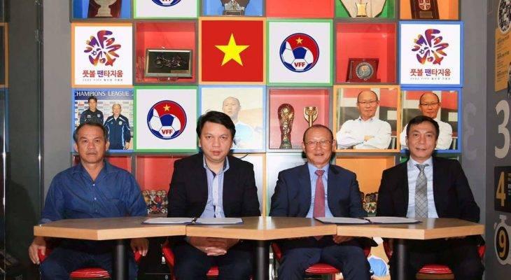 ĐT Việt Nam sẽ chơi bóng dài, bóng bổng với HLV mới?