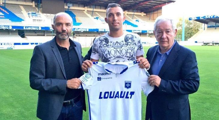 Cựu binh V.League gia nhập giải hạng Nhì Pháp