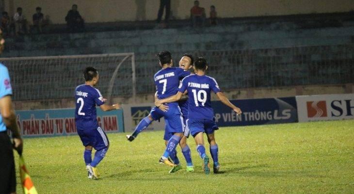 Thanh Trung tỏa sáng, Quảng Nam giành chiến thắng trên sân nhà