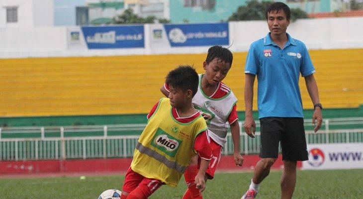 Lớp học bóng đá đặc biệt của cựu cầu thủ Đồng Tháp
