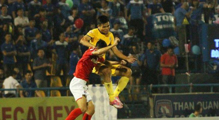 Hàng thủ chơi tệ hại, FLC Thanh Hoá lỡ cơ hội lấy lại ngôi đầu