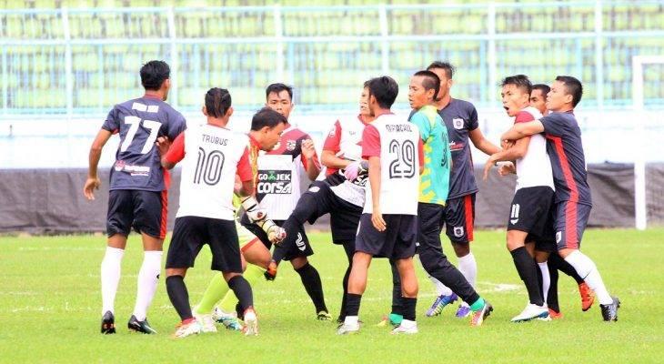 Bạo lực bùng phát tại giải hạng Nhì Indonesia
