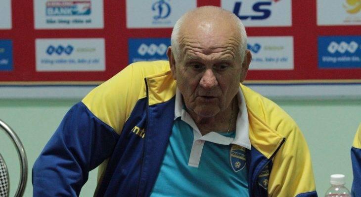 HLV Petrovic phàn nàn về trọng tài Nhật Bản