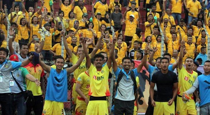 Cựu HLV Long An giúp CLB Indonesia lần đầu vô địch Liga 1