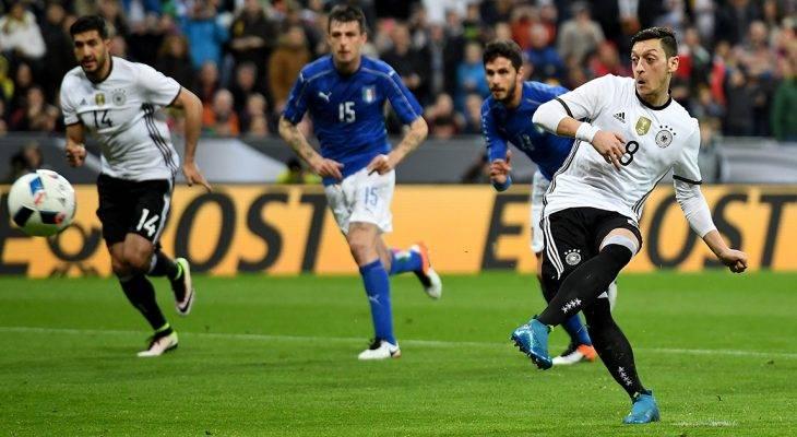 Mesut Ozil được CLB cũ mời gọi hồi hương