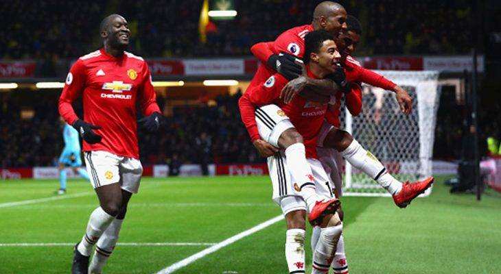 Man United vượt ải Vicarage Road