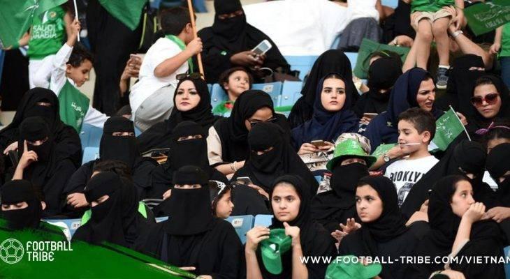 Phụ nữ Ả Rập được phép xem bóng đá