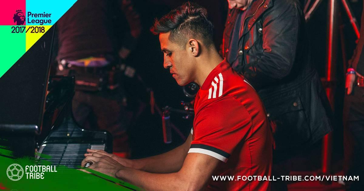 """UEFA xem xét chỉnh sửa quy định """"lót tay"""" sau thương vụ Sanchez"""