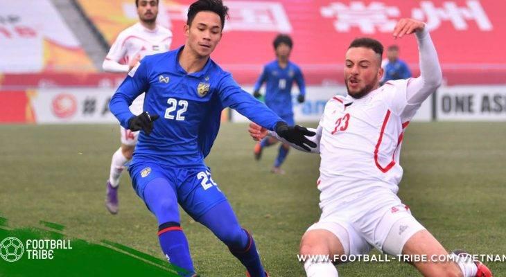 """CĐV Thái Lan """"nổi điên"""" khi đội nhà thất bại trước Malaysia"""