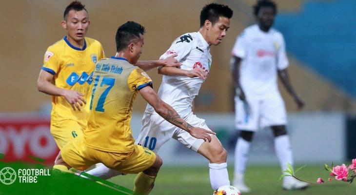Chuyển động bóng đá VN 22/2: Quảng Nam trừng phạt Claudecir