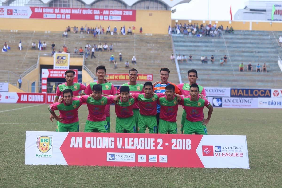 HLV Công Minh nói gì khi cầu thủ Đồng Tháp không được gọi lên U19 Việt Nam?