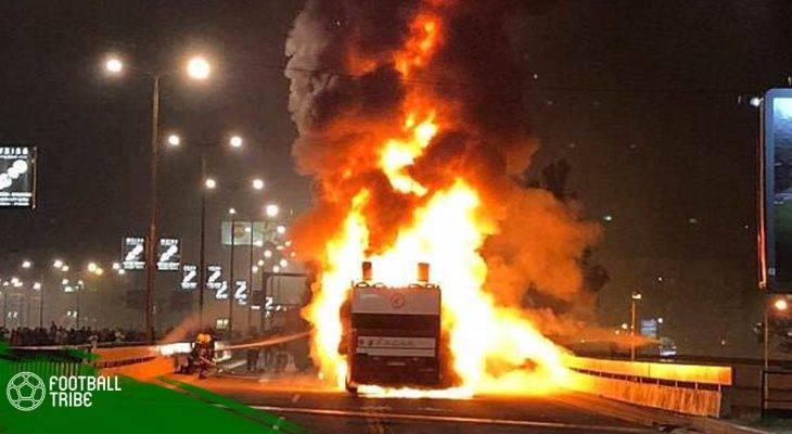 Bản tin tối 21/5: ĐKVĐ Serbia suýt gặp nạn khi diễu hành vì xe bus bốc cháy
